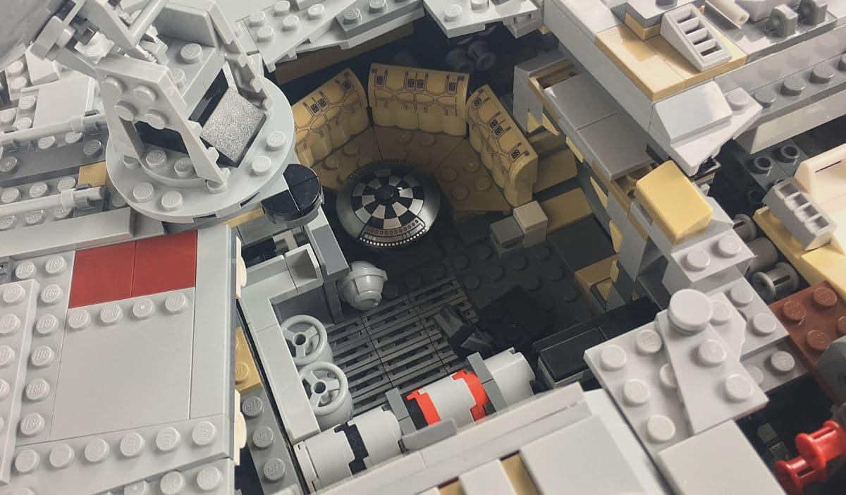 UCS Millennium Falcon Innenraum vorne