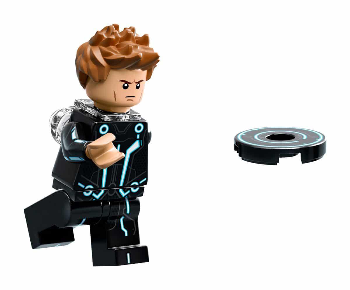 LEGO 21314 Sam Flynn 2