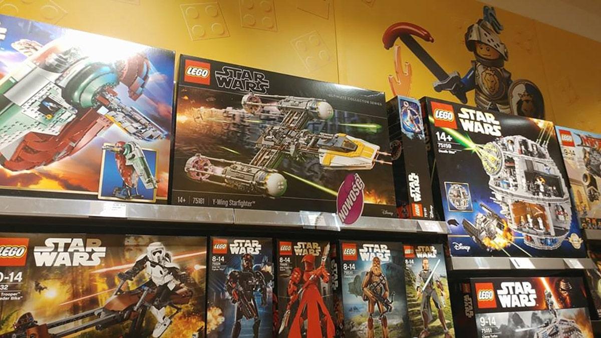 LEGO 75181 im Regal