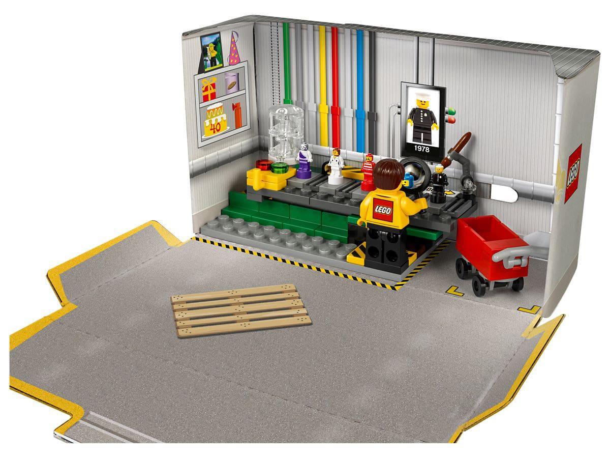 LEGO Minifiguren Fabrik im Karton
