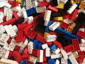 Wie viel LEGO gibt es auf der Welt?