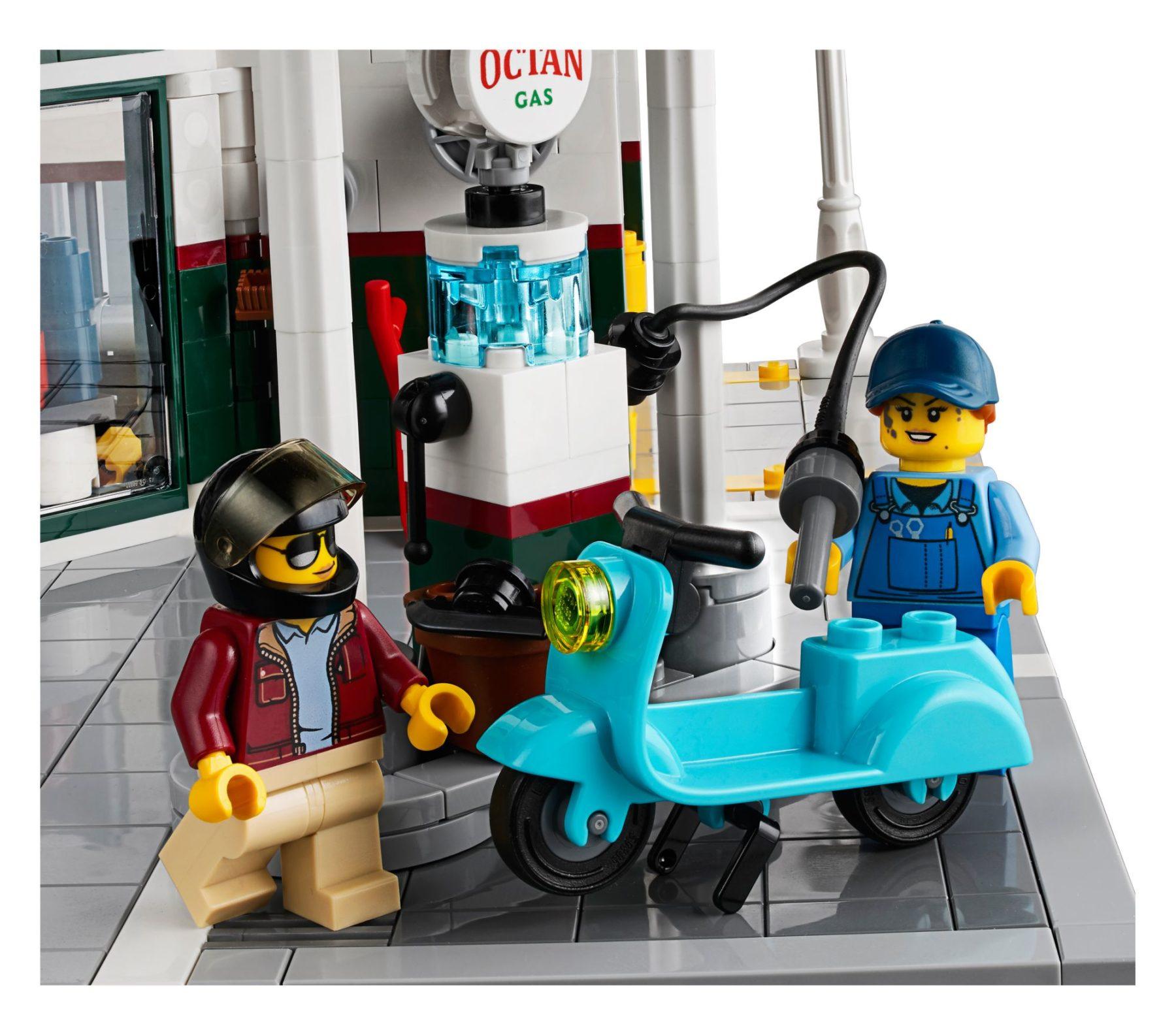 LEGO 10264 Eckgarage Modular Building: Tankstelle