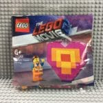 "LEGO 30340 Emmet's ""Piece"" Offering"