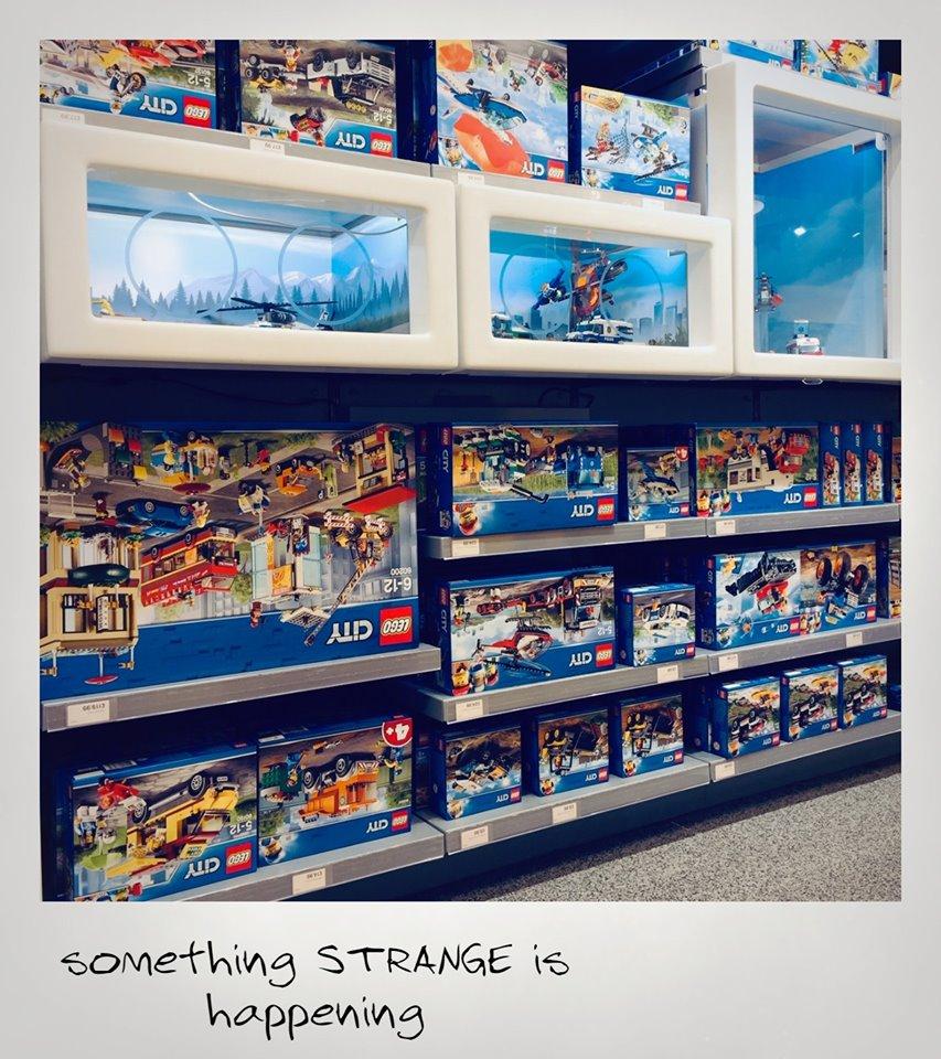 LEGO 75810 Teaser im LEGO Store London