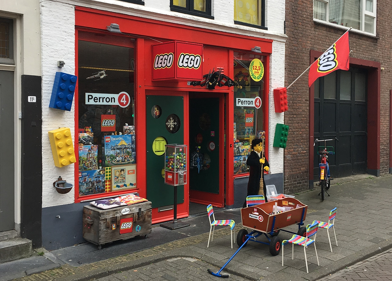 Perron 4 LEGO Laden in Alkmaar