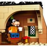LEGO 71044 Disney Main Street Station von innen