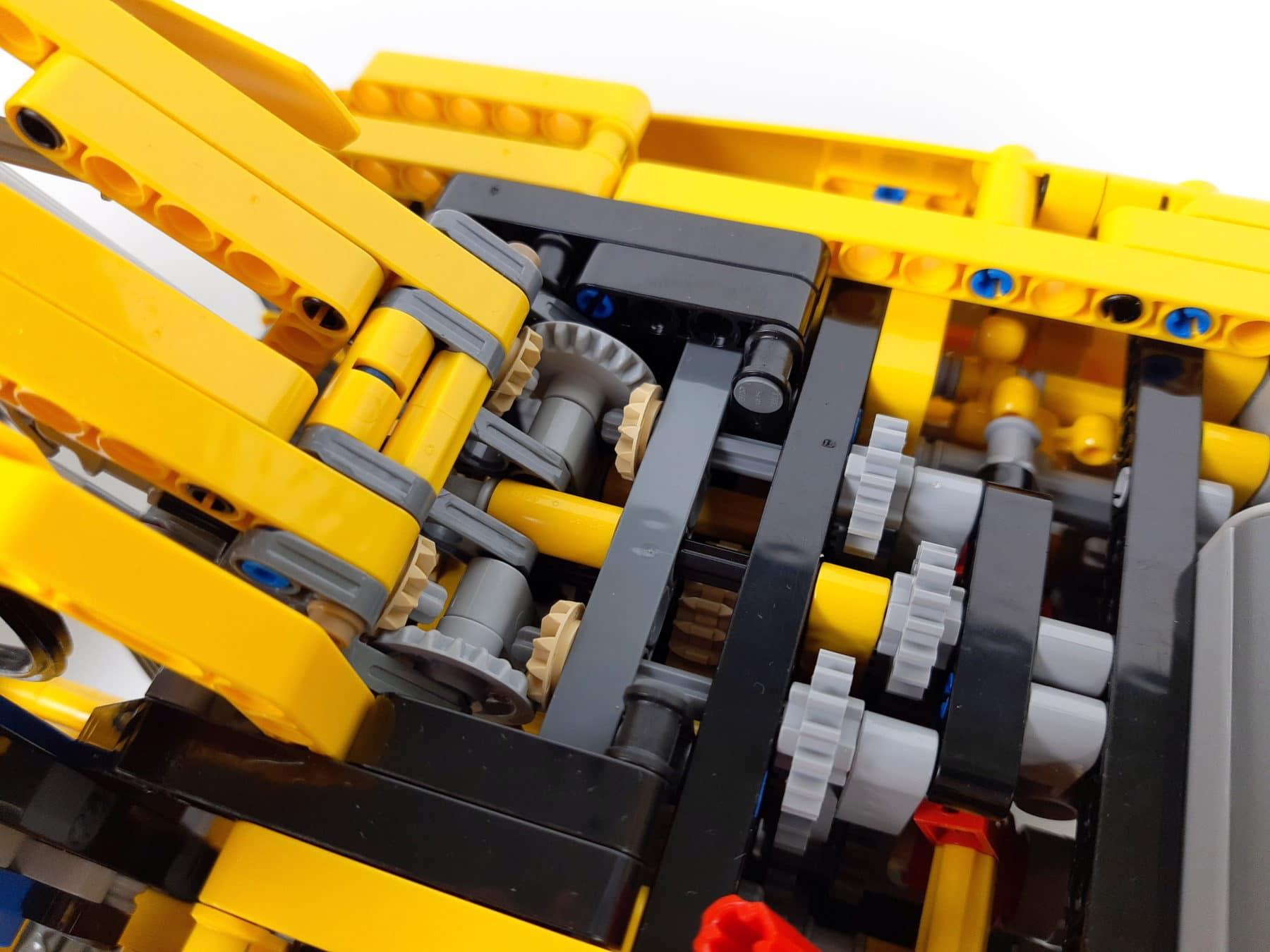 LEGO Technik 8043: Kraftübertragung zwischen Ausleger und Aufbau