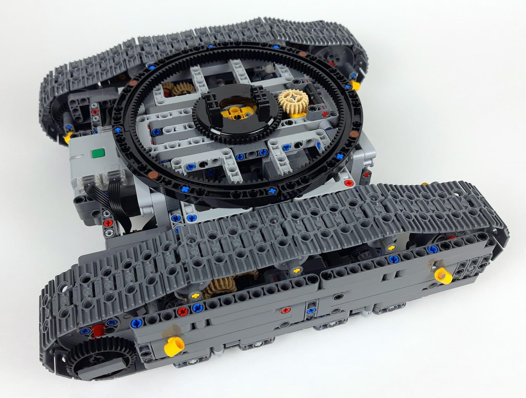 LEGO Technic 42100: Fahrgestell des Liebherr R 9800