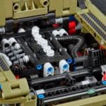 LEGO Technic 42110 Land Rover Defender Motorraum