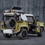 LEGO Technic 42110 Land Rover Defender von hinten