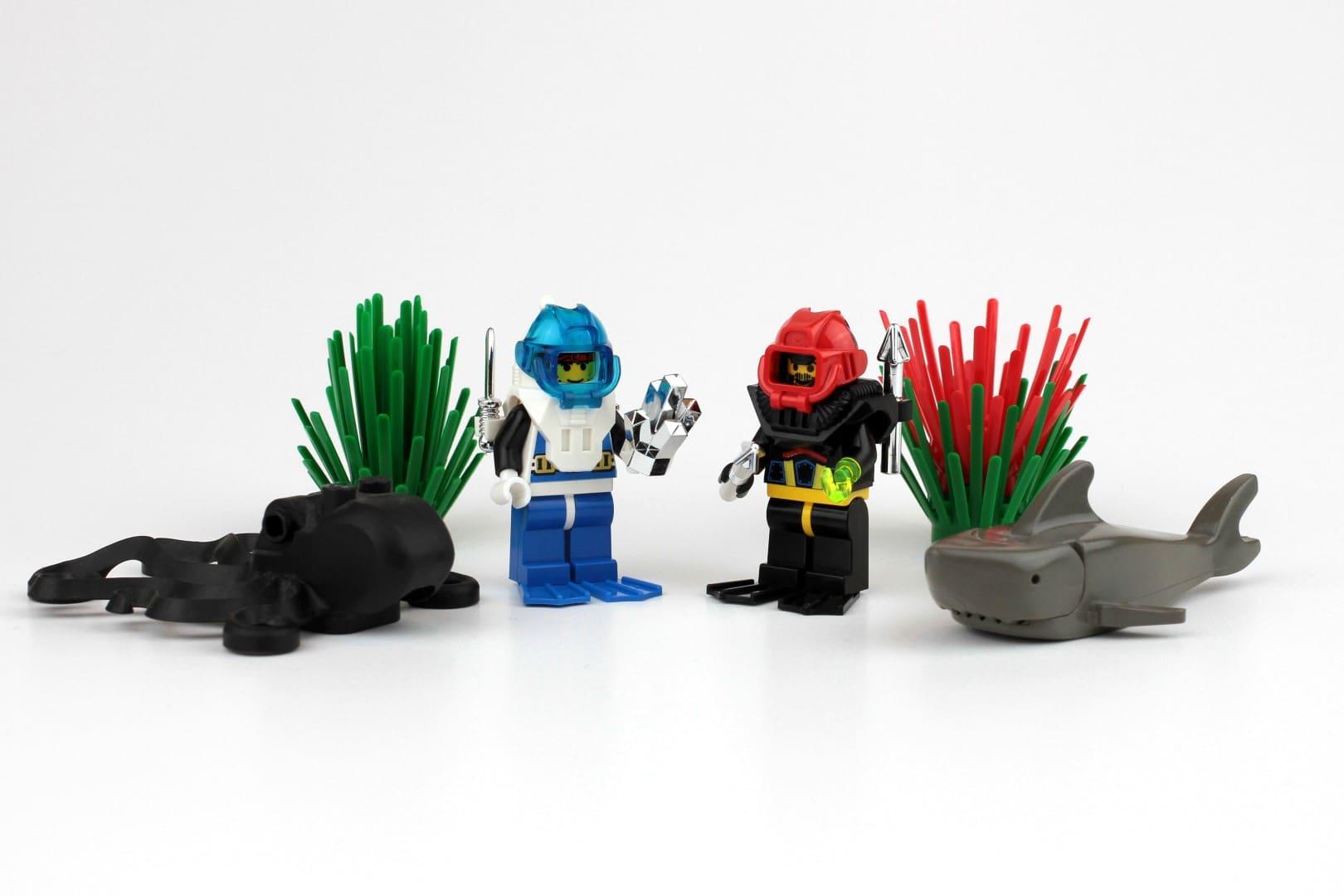Das Set 6104: Mit zwei Minifiguren, Hai, Oktopus und Pflanzen das perfekte Booster Pack