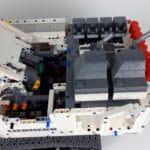 LEGO Technic 42100 Liebherr R 9800: Detailansicht von links
