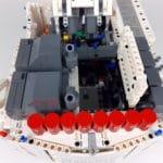 LEGO Technic 42100 Liebherr R 9800: Klappe zum Zugriff auf den Hub