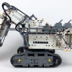 LEGO Technic 42100 Liebherr R 9800: Bagger mit ausgeklapter Treppe
