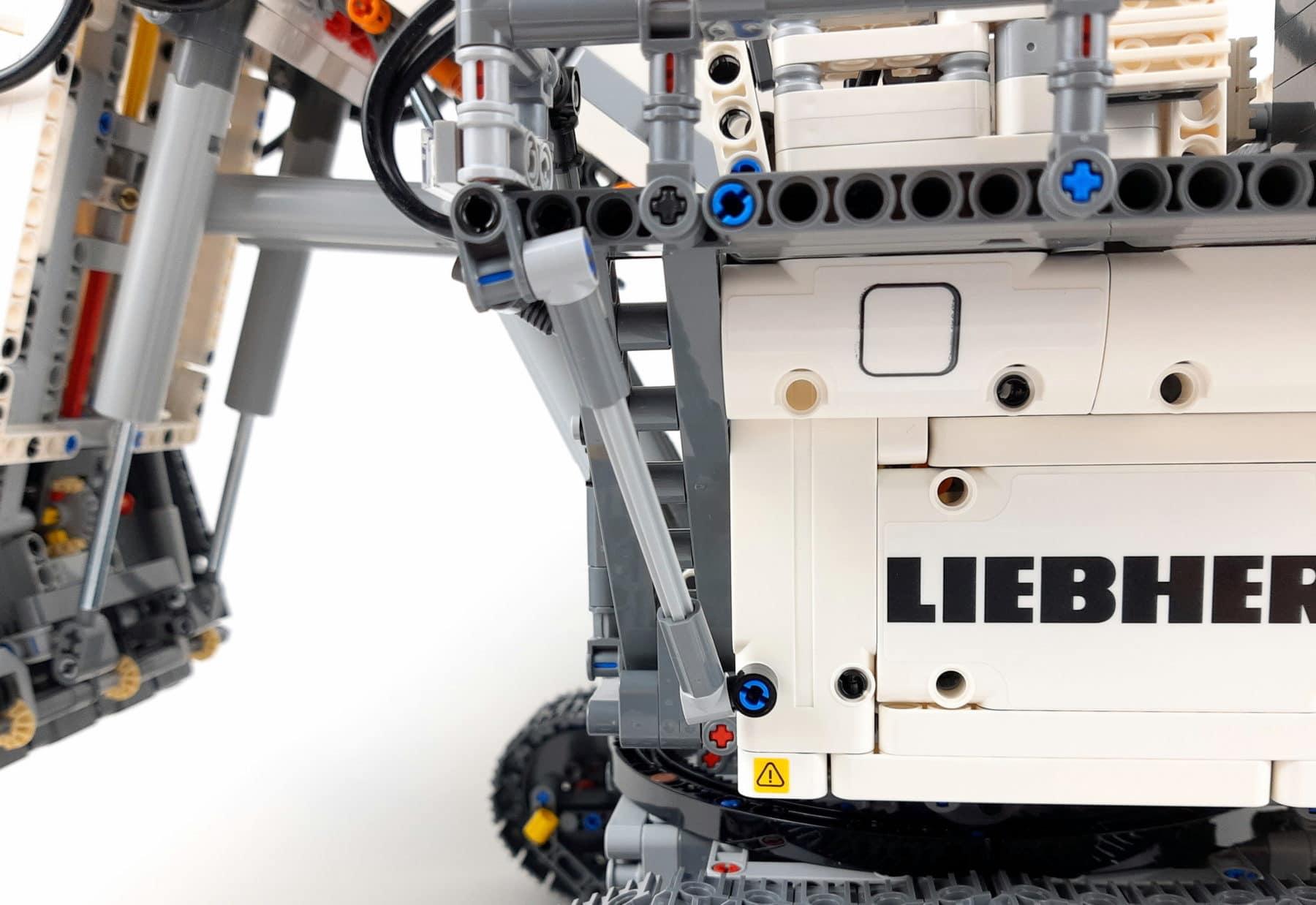 LEGO Technic 42100 Liebherr R 9800: Schräge Verstrebung