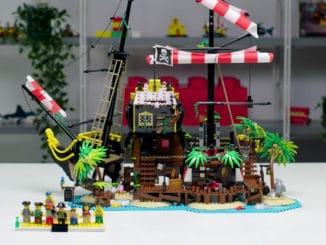 LEGI 21322 Pirates of Barracuda Bay Designer Video