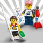 LEGO Minifiguren Serie 20: Speerwerferin und Raketen-Frau