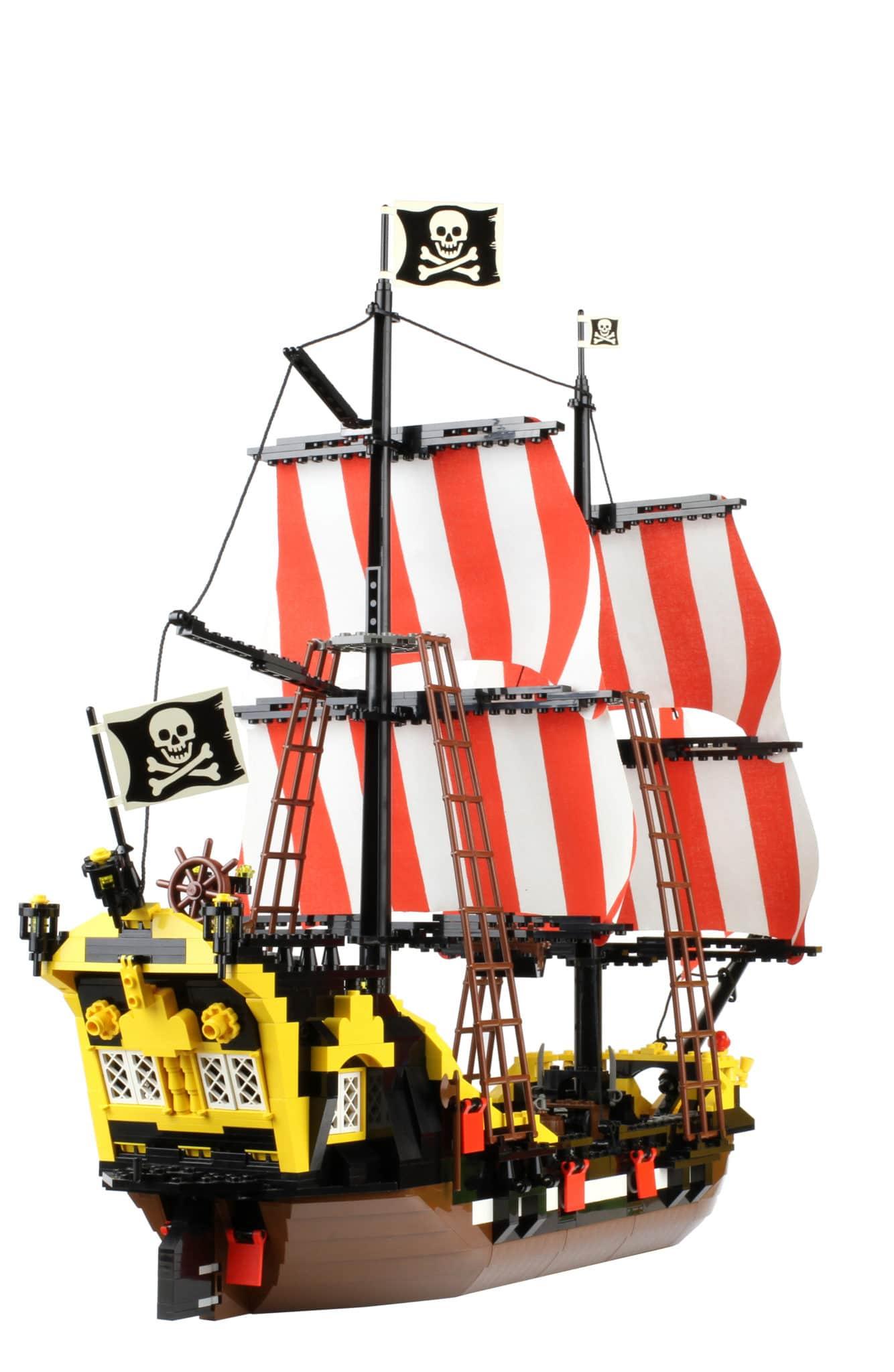 LEGO 6285 Black Seas Barracuda (1989)