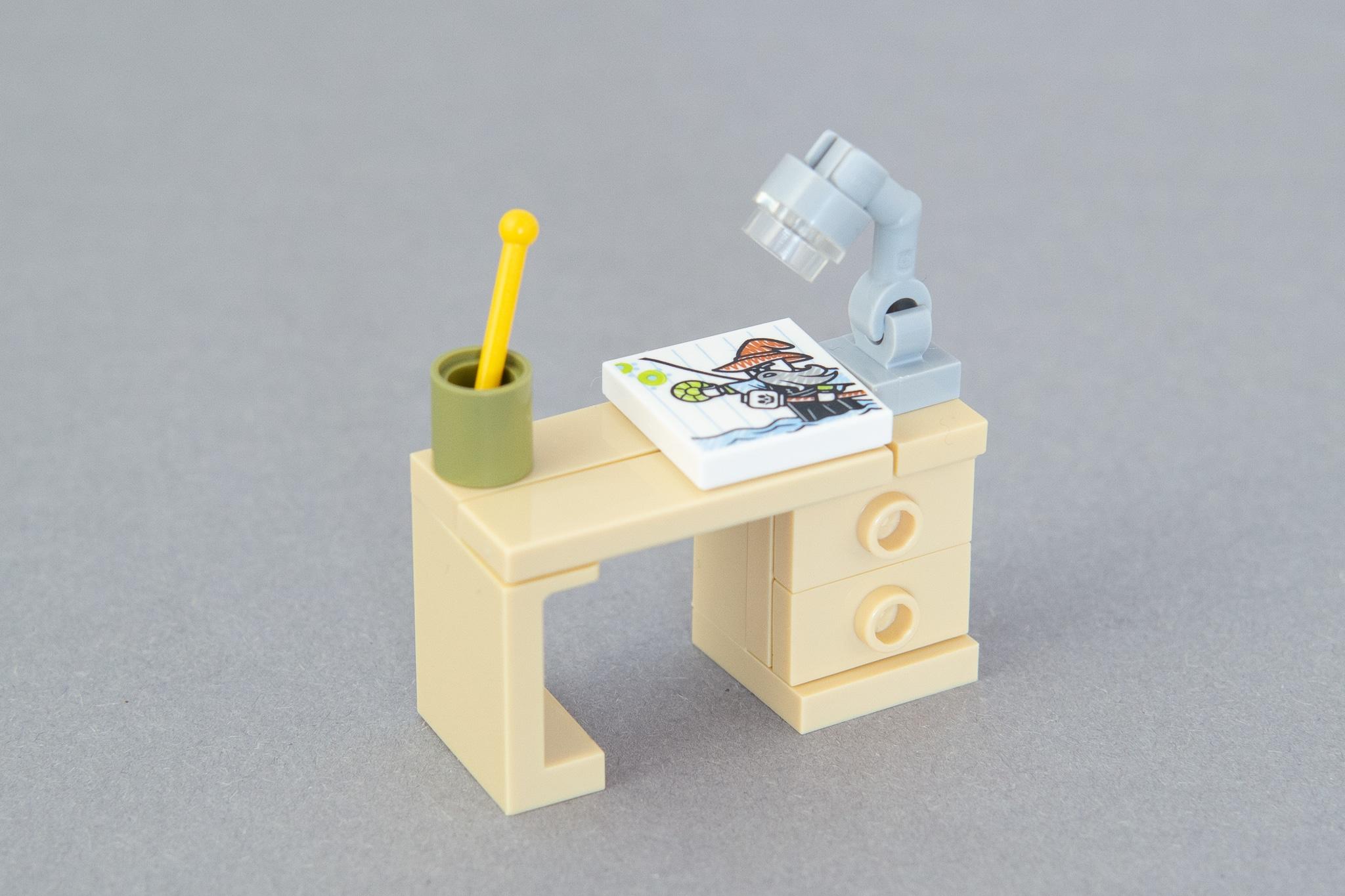 LEGO Schreibtisch