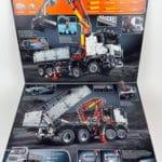 LEGO Technic 42043 Mercedes-Benz Arocs 3245 Box Klappeninnenseite