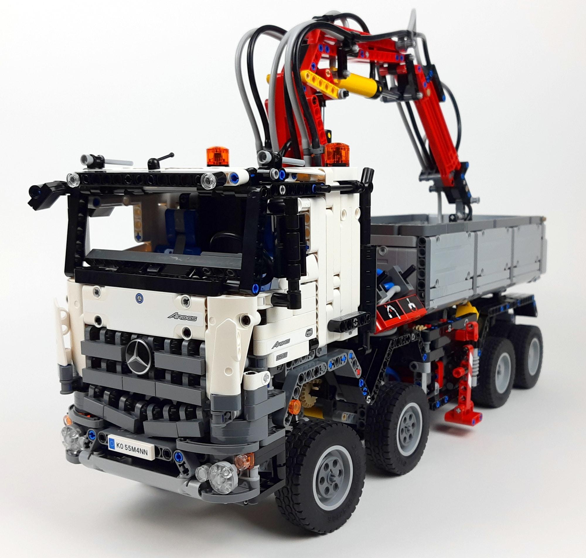 LEGO Technic 42043 Mercedes-Benz Arocs 3245 mit Aufklebern