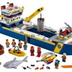 LEGO City 60266 Ocean Exploration Ship 12