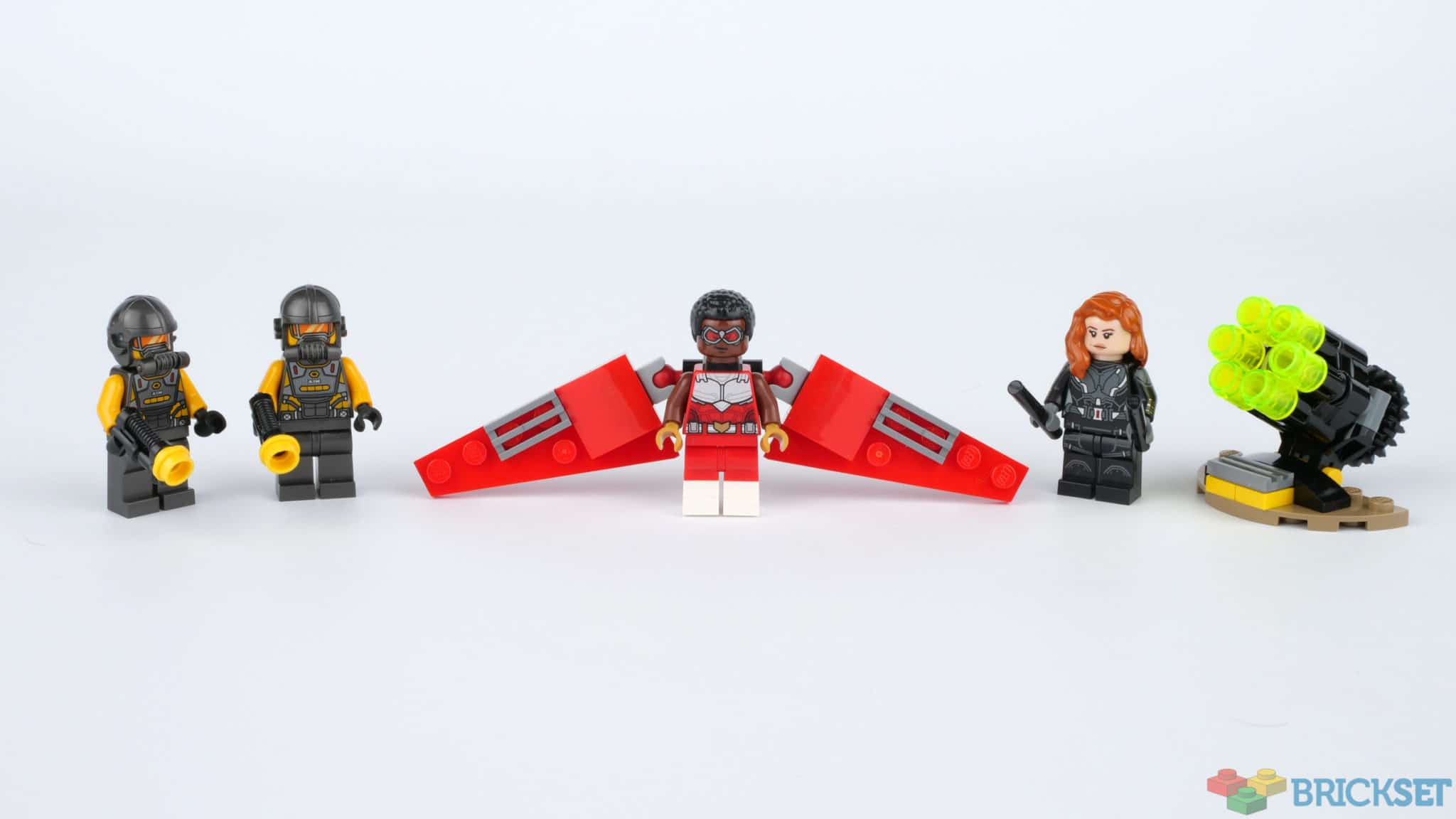 LEGO 40418 Falcon And Black Widow