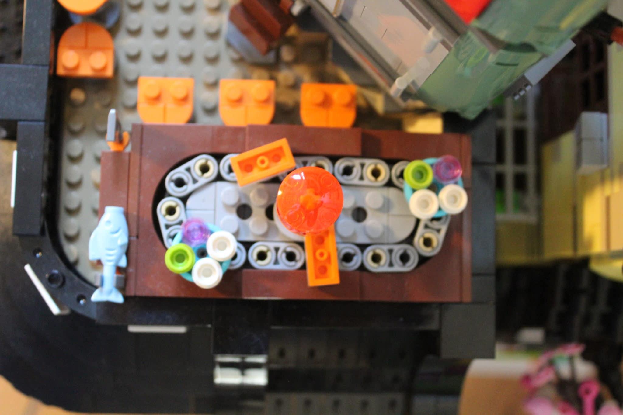 LEGO 70620 (6)