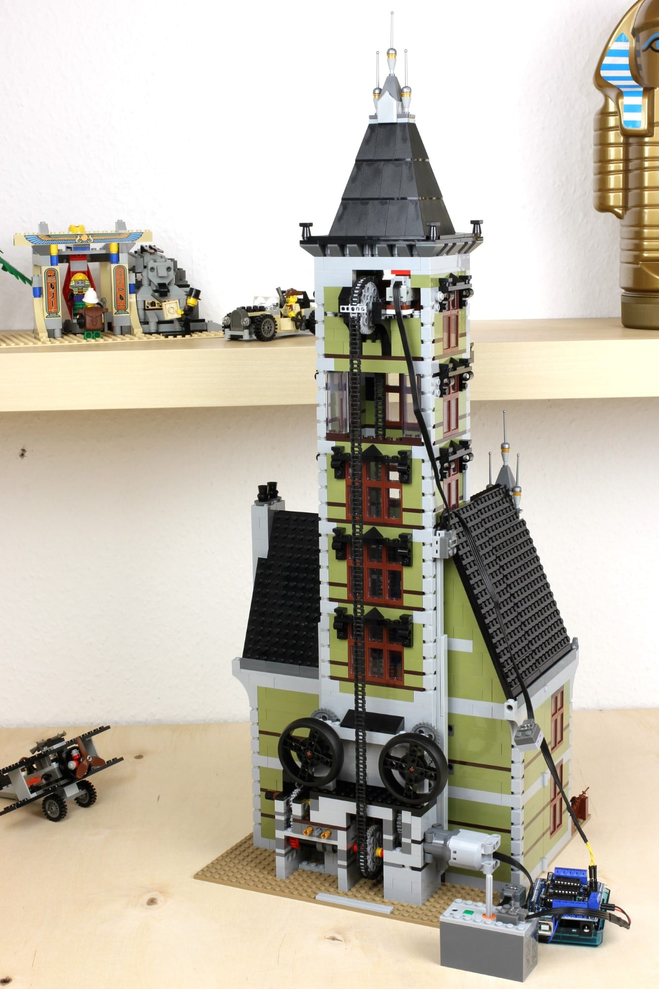 LEGO Fairground Collection 10273 Haunted House Automatisierung Arduino