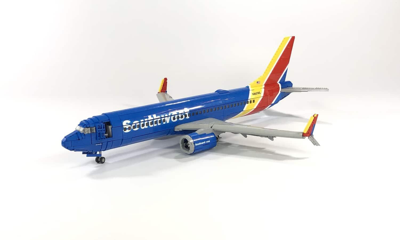 LEGO Ideas Southwest 737 800 (1)