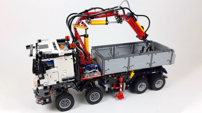 LEGO Technic 42043 Mercedes Benz Arocs Review