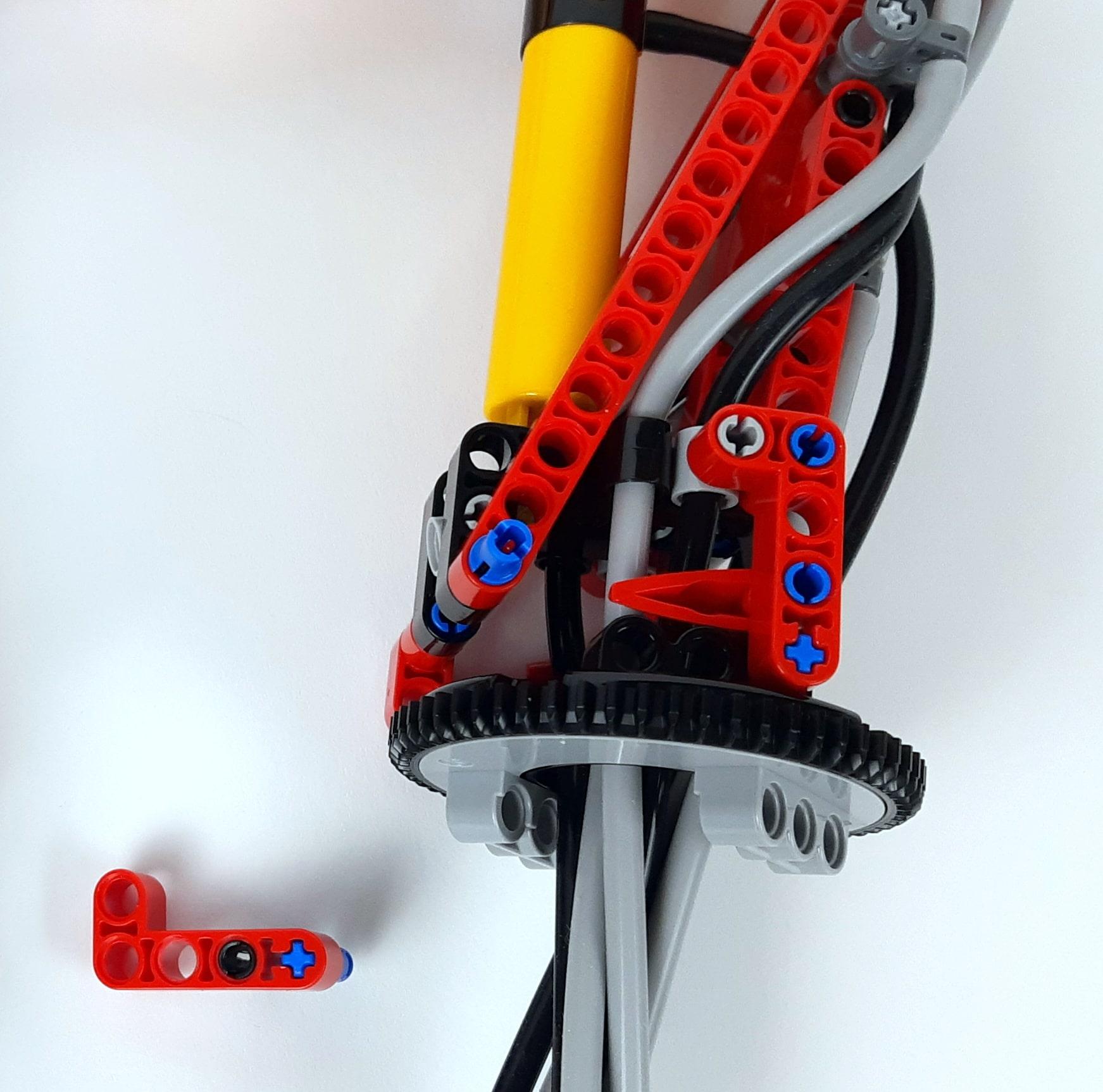 LEGO 42023 Mercedes-Benz Arocs B-Modell - Detail unzerlegter Ladekran