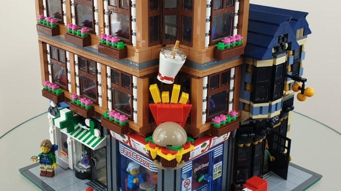 LEGO Ideas Fast Food Corner (1)