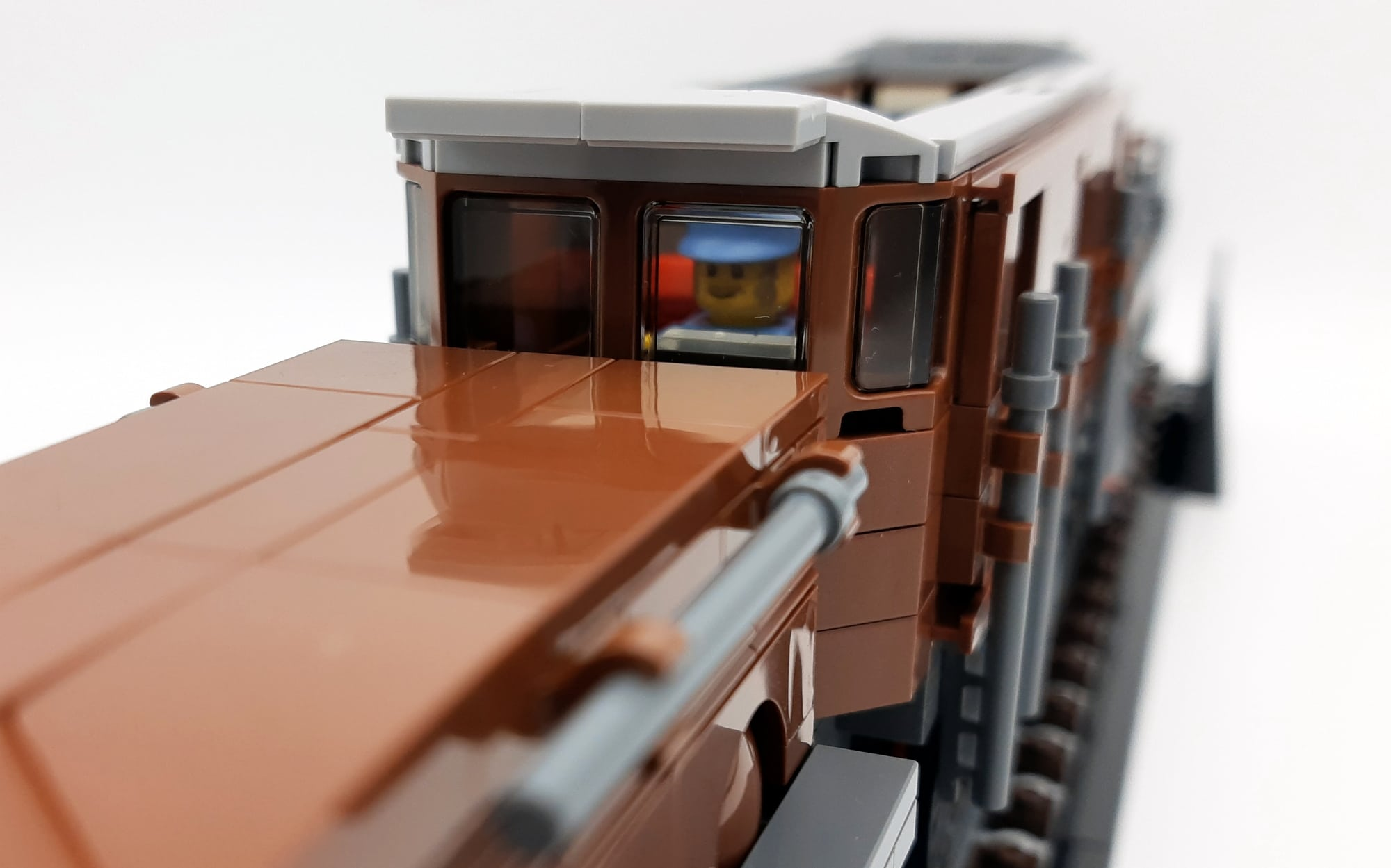 LEGO 10277 Krokodil Lokomotive - Blick in den Führerstand