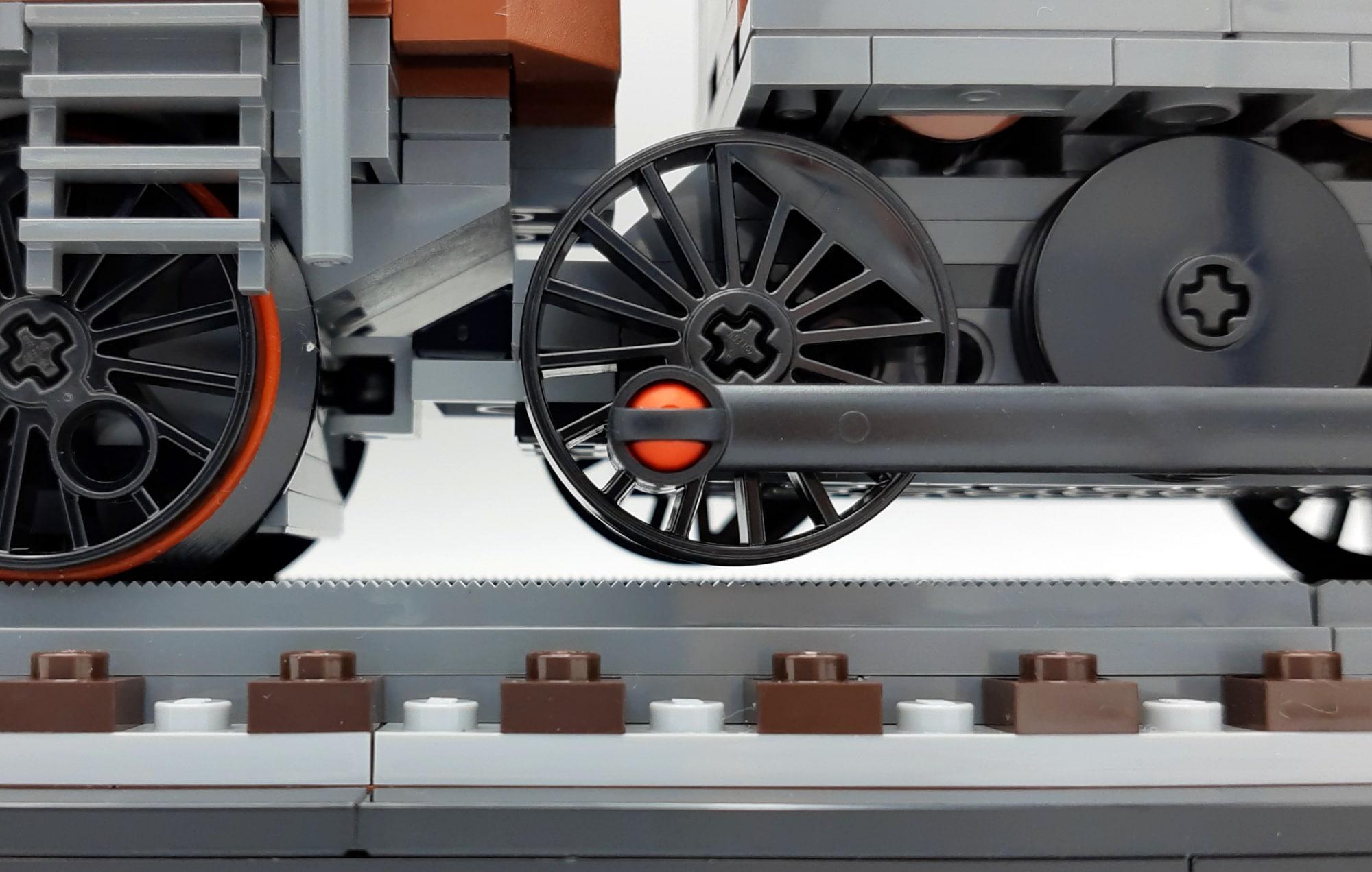 LEGO 10277 Krokodil Lokomotive - Detail schwebendes Rad
