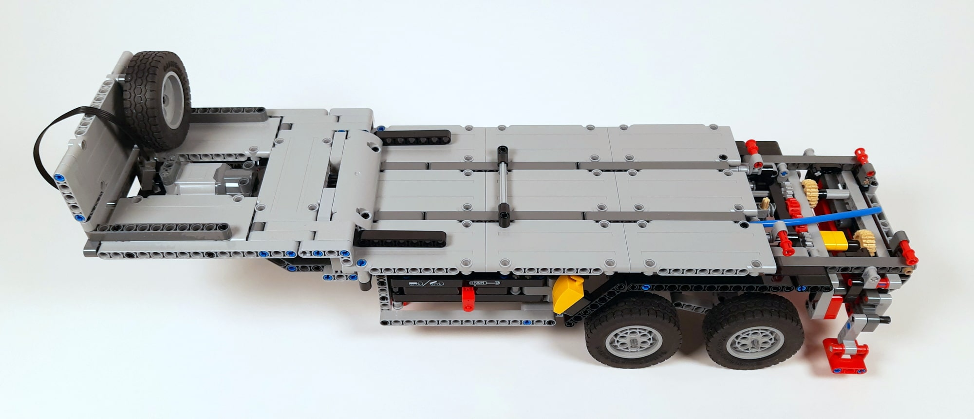 LEGO 42023 Mercedes-Benz Arocs B-Modell - Bauabschnitt Auflieger 01