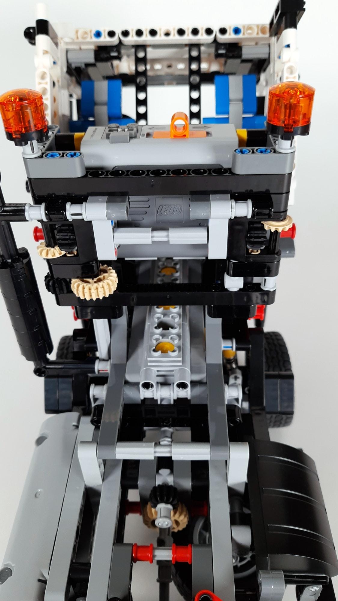 LEGO 42023 Mercedes-Benz Arocs B-Modell - Fakemotor