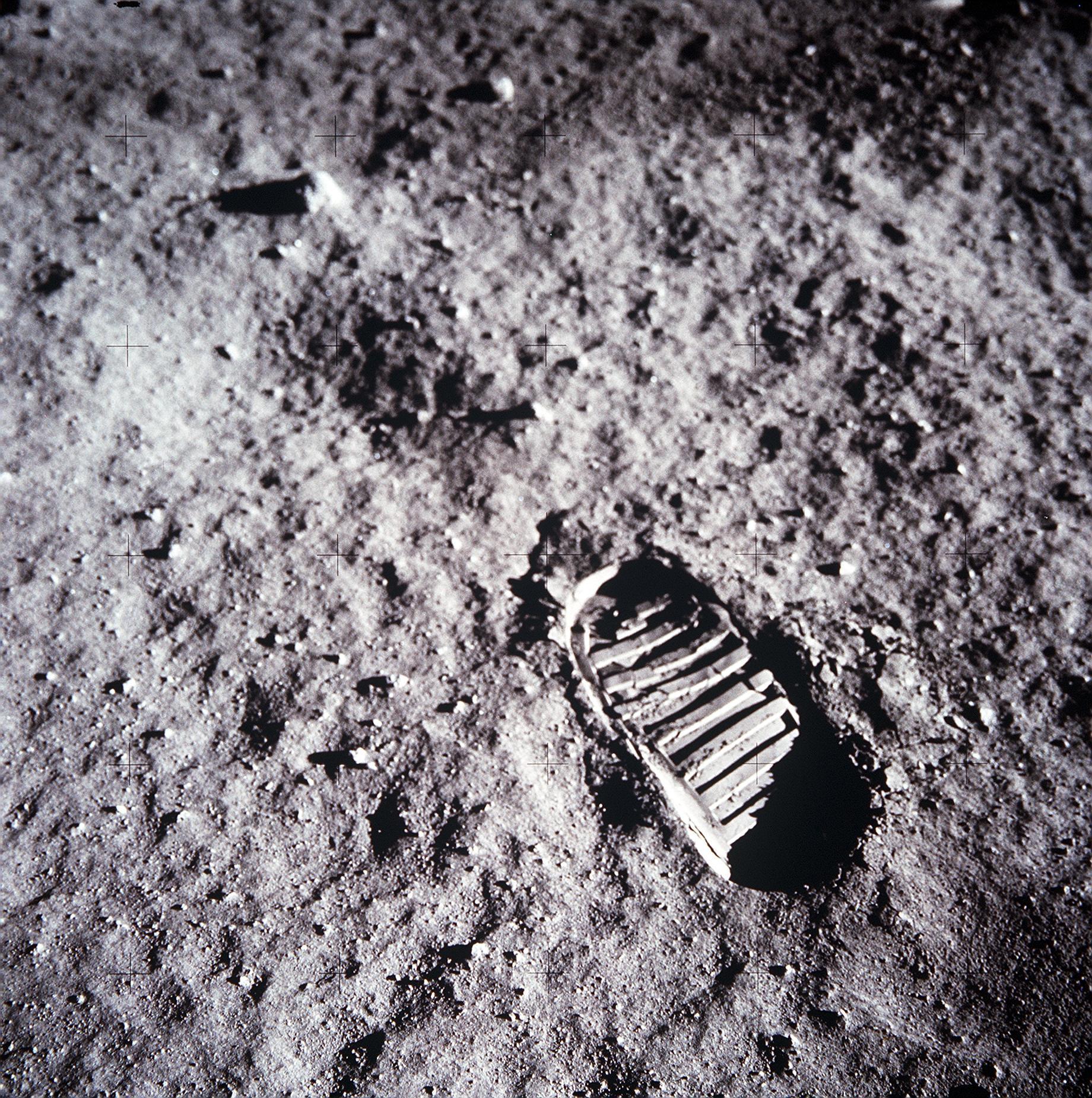 Stiefelabdruck auf dem Mond