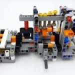 LEGO 42112 Betonmischer Lkw - Bauabschnitt 1 Detail Lenkung und Motor