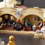LEGO Star Wars 75290 Mos Eisley Cantina Lifestyle Bild (10)