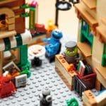 LEGO Ideas 21324 Sesame Street (10)
