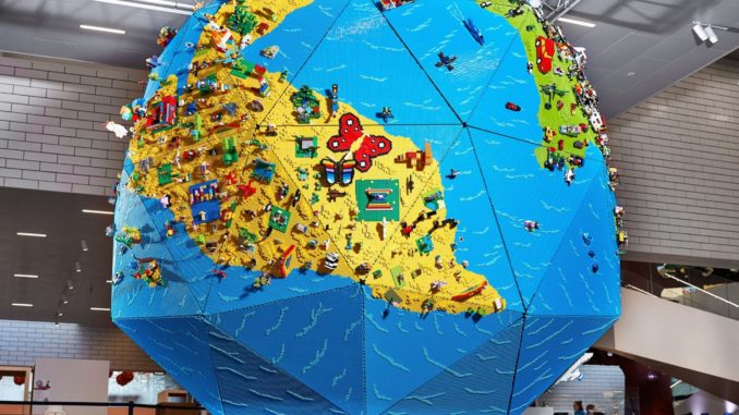 Rebuild The World LEGO House (2)