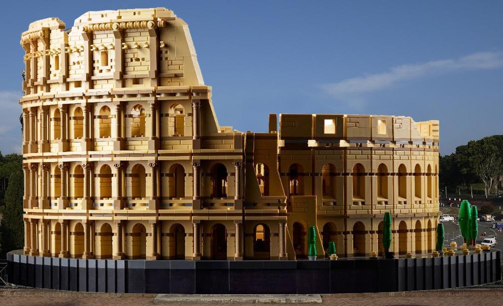 LEGO 10276 Colosseum Real Vergleich 1