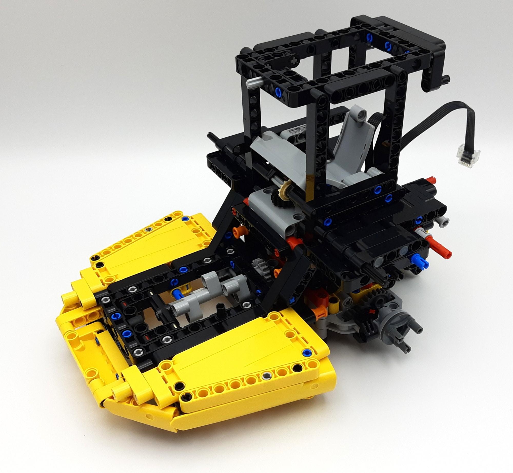 LEGO 42114 Knickgelenkter Volvo Dumper Bauabschnitt 2 02