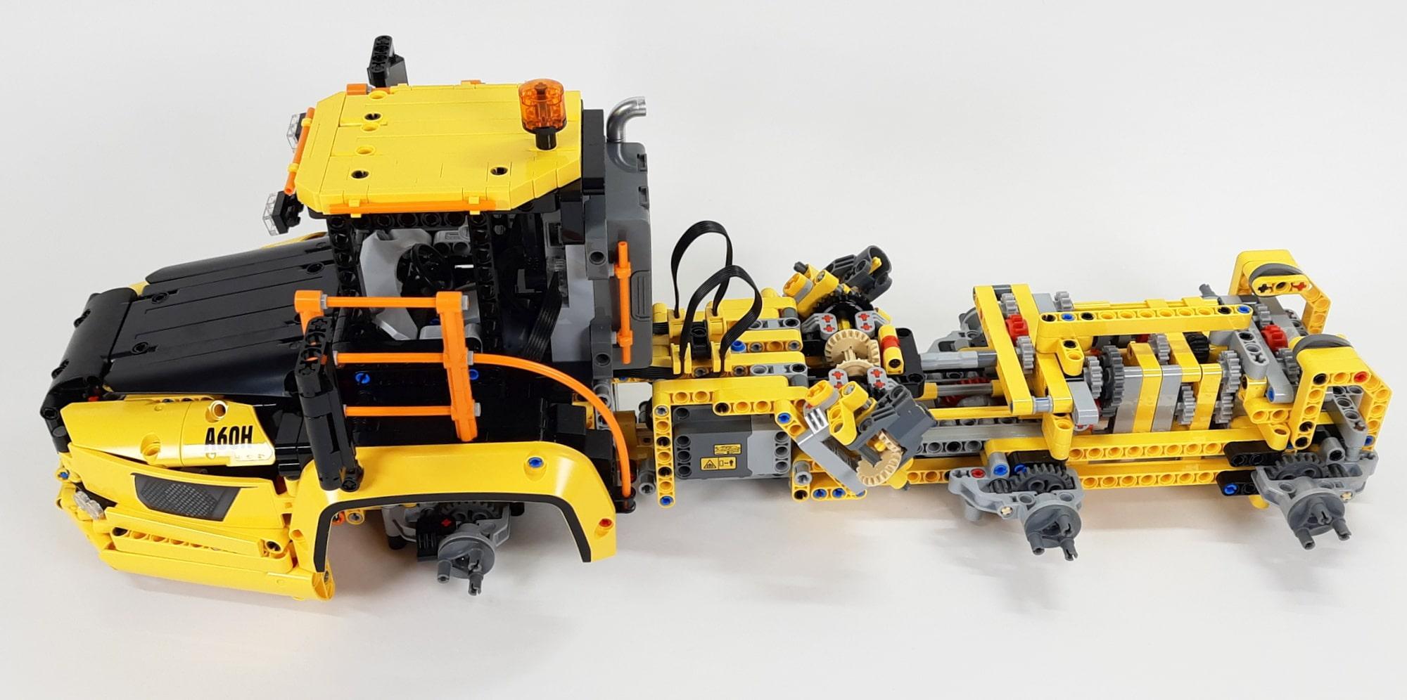 LEGO 42114 Knickgelenkter Volvo Dumper Bauabschnitt 3 01