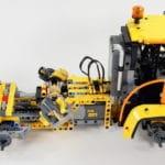 LEGO 42114 Knickgelenkter Volvo Dumper Bauabschnitt 3 03