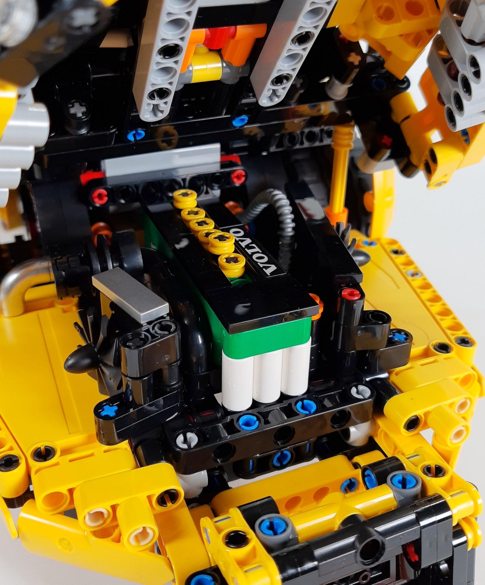LEGO 42114 Knickgelenkter Volvo Dumper Detail Motor