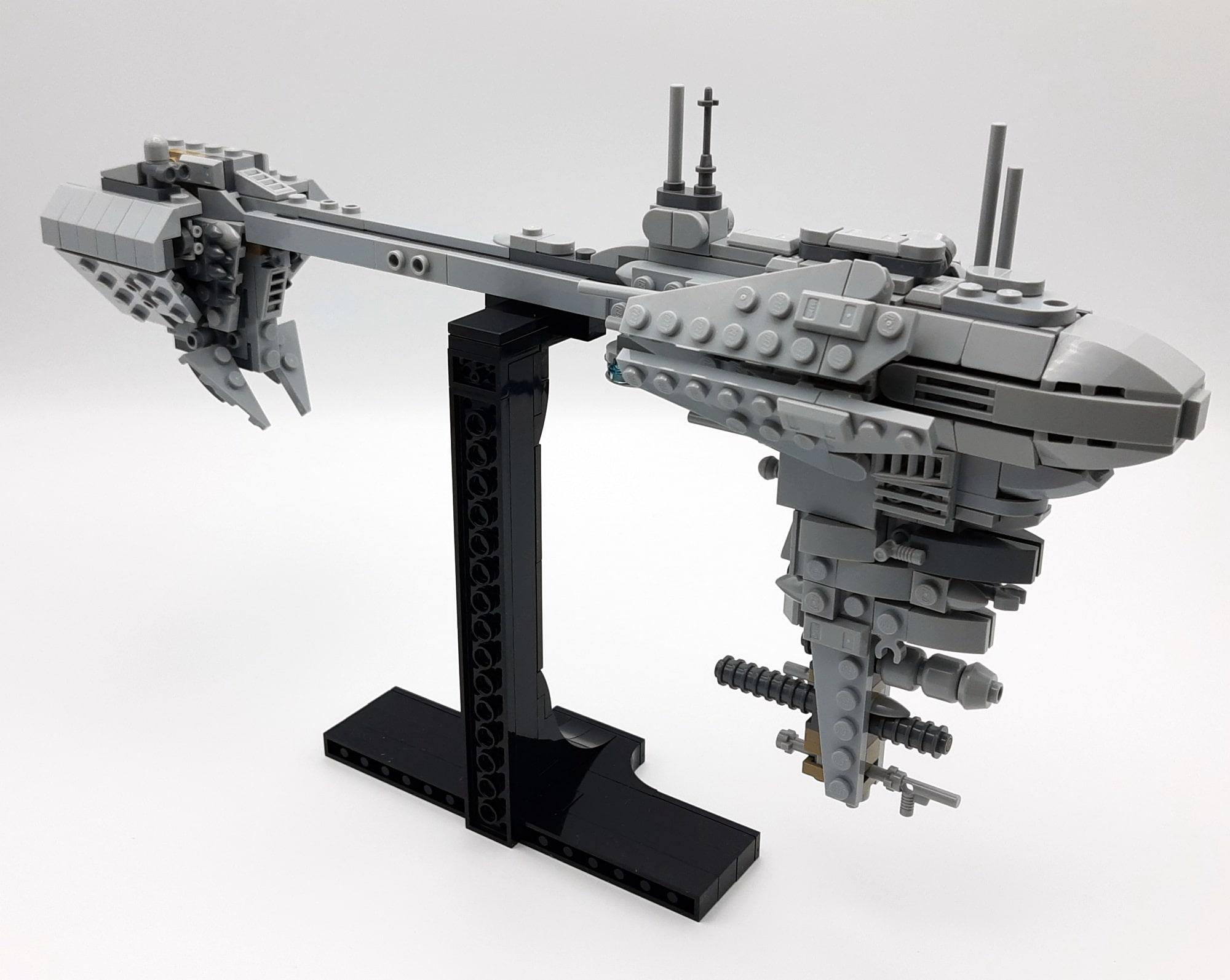 LEGO 77904 Nebulon B - Ansicht Rechts