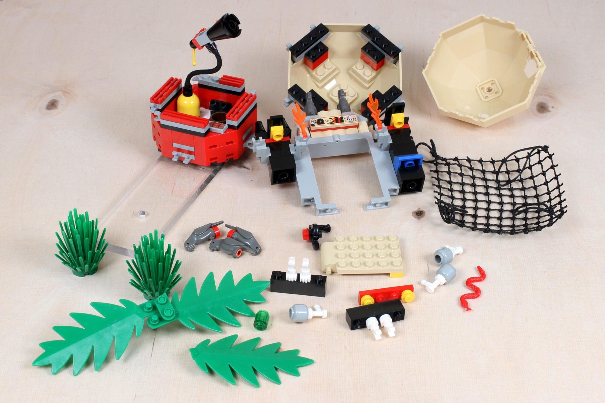 LEGO Adventurers Display Bestandsaufnahme Einzelteile