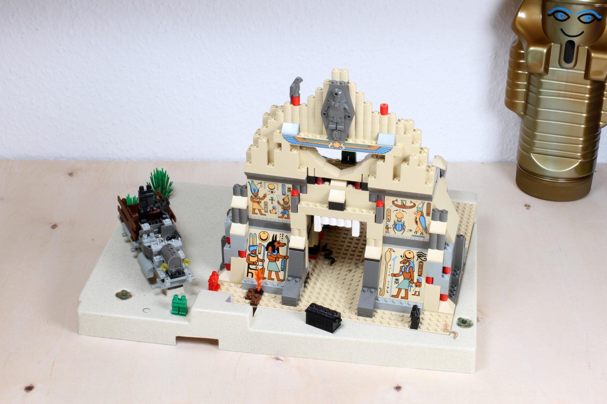 LEGO Adventurers Display Bestandsaufnahme Set Vorderansicht